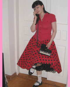 Red 50´s Circular Skirt with black polka dots
