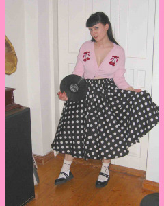Black 50´s Circular Skirt with white polka dots