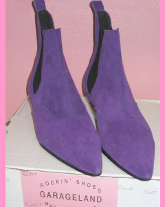 Purple suede Chelsea Boots with Cuban heel