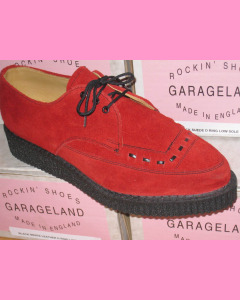 Red suede pointed creepers with laces