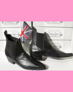 Black leather Chelsea Boots with cuban heel