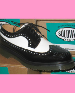 Black and white Solovair american Brogue