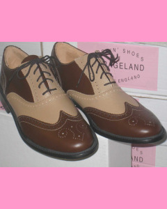 Brown and Cream wing Tip Brogue Shoed